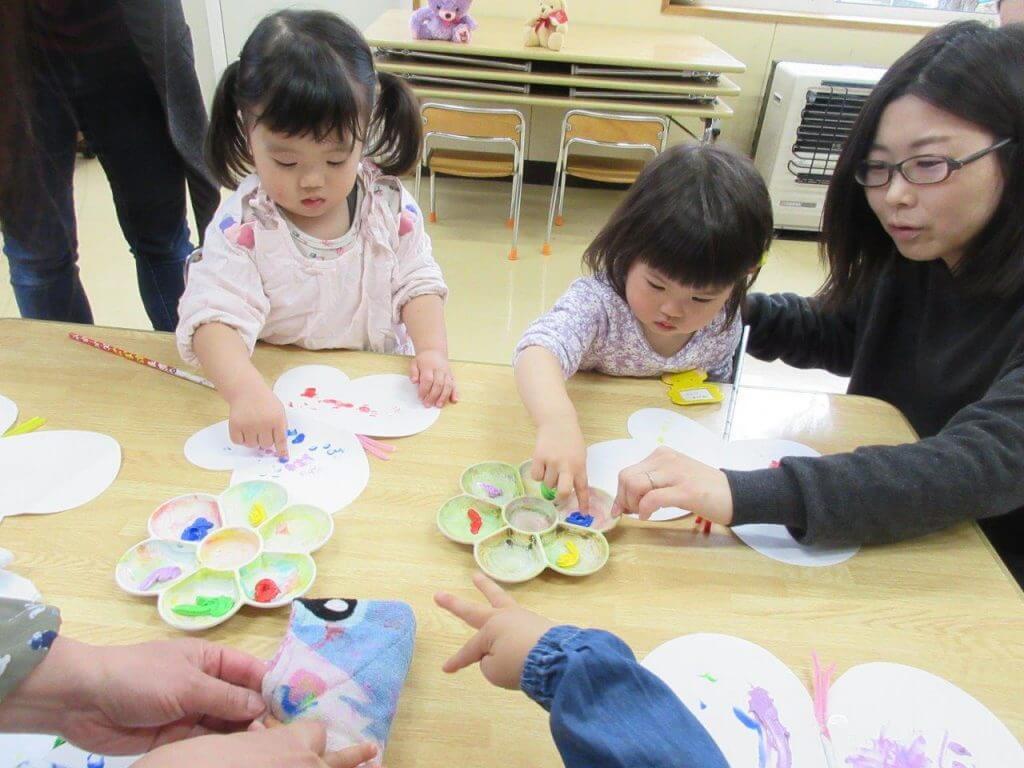 2~3歳児「ピヨピヨ教室」の様子